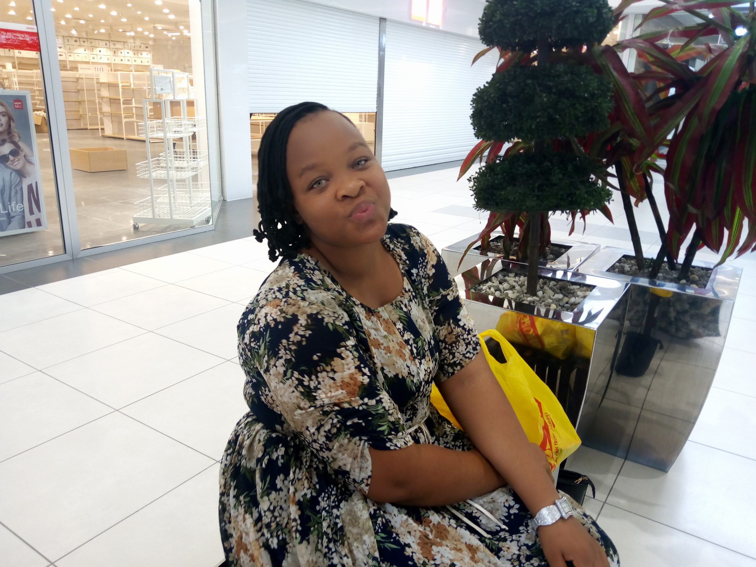 AN INTERVIEW WITH THE PROVOST OF DE-RACONTEUR WRITER'S CLUB- Mrs. Lizzy Oyebola Yakubu